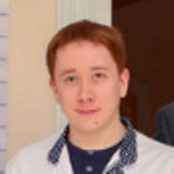 Врач Галушкин Максим Александрович
